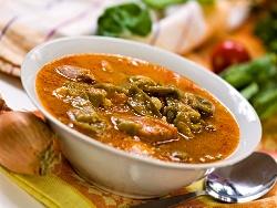 Чорба / супа със свински джолан, картофи, зелен фасул (боб), кисело зеле, праз лук и застройка от яйца и прясно мляко - снимка на рецептата